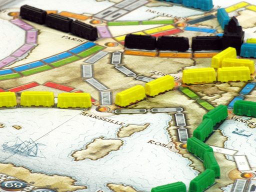 treinroutes in Ticket to Ride Europe die elkaar kruisen